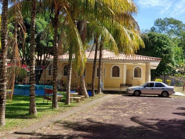 MAKE AN OFFER on Motel, restaurant and living quarters  in Díria