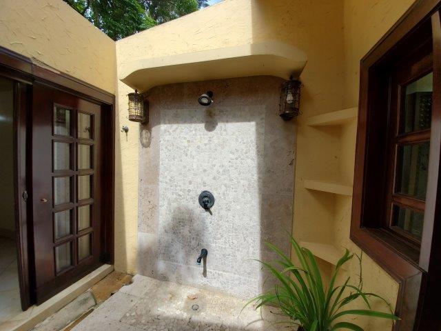 Real-Estate-Nicaragua-Managua-Casa-venta-Pool (28) - Copy
