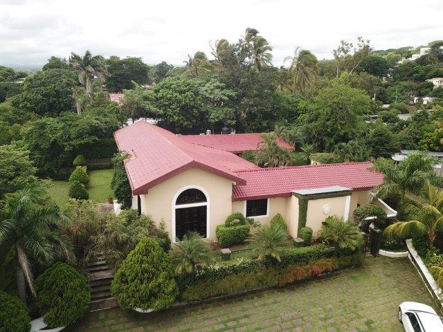 Real-Estate-Nicaragua-Managua-Casa-venta-Pool (3) - Copy